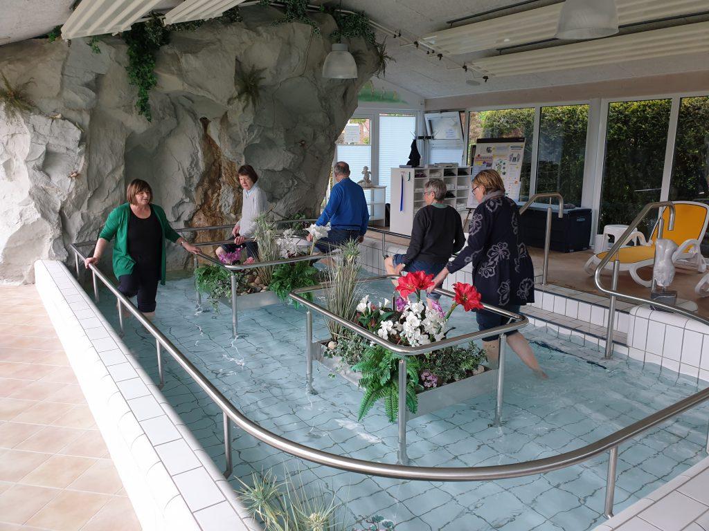 Kneipphalle Wassertretbecken überdacht in Werdum