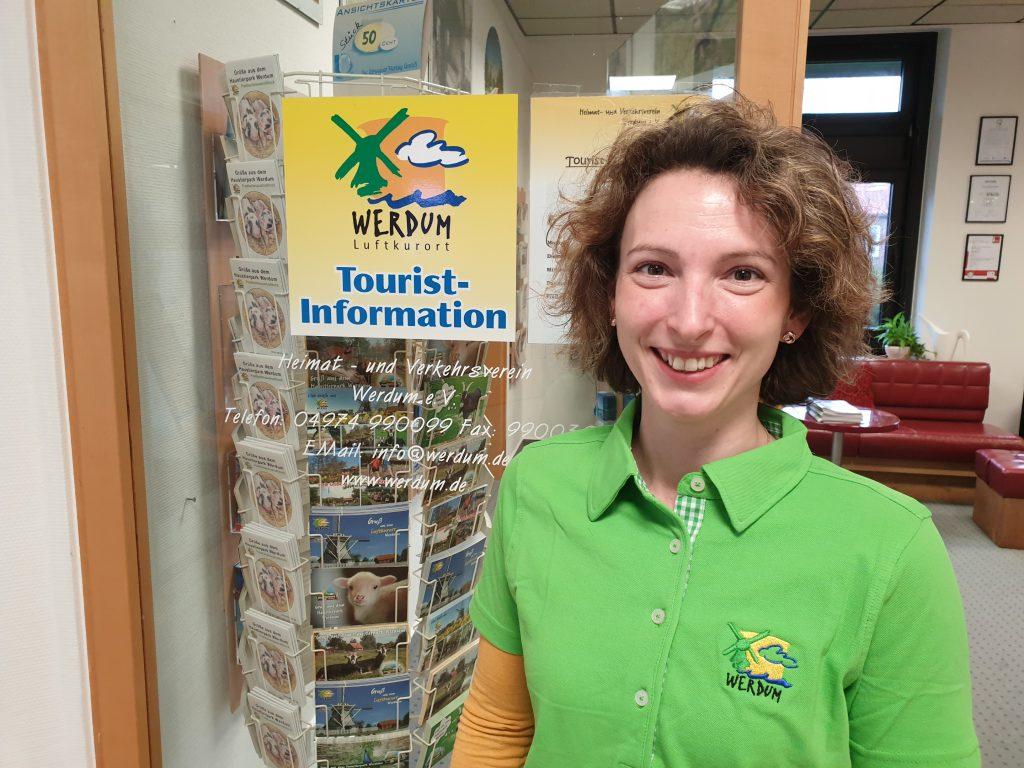 Kati Sandmann an ihrem ersten Arbeitstag in der Tourist-Information