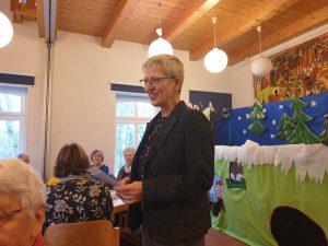 Werdums Pastorin Rosemarie Giese begrüßt die Teilnehmer