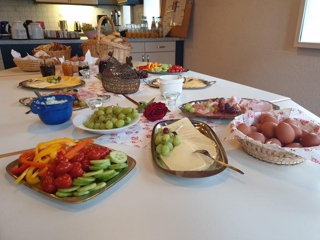Ein reichhaltiges und gesundes Buffet war angerichtet
