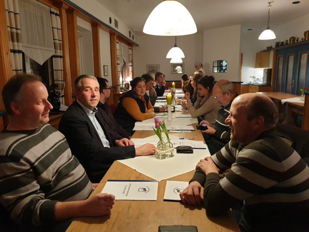 Neben zahlreichen Mitglieder waren auch die Vertreter der Dorfgemeinschaft zugegen