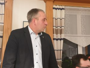 Bürgermeister René Weiler-Rodenbäck spricht ein Grußwort