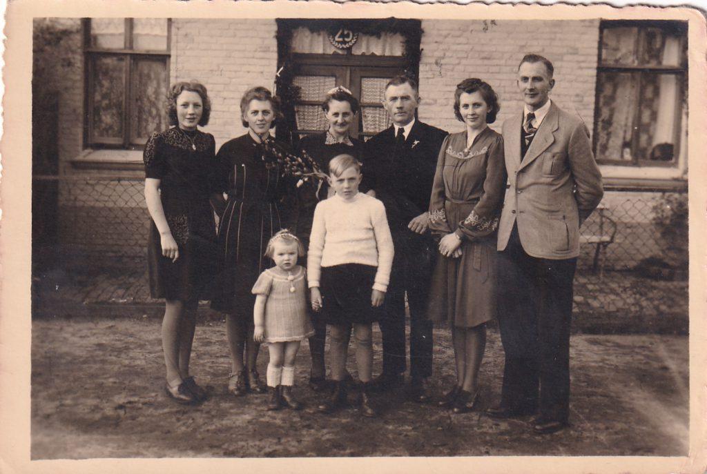 Bernhard und Anni Graalmann feiern mit ganzer Familie Silberhochzeit