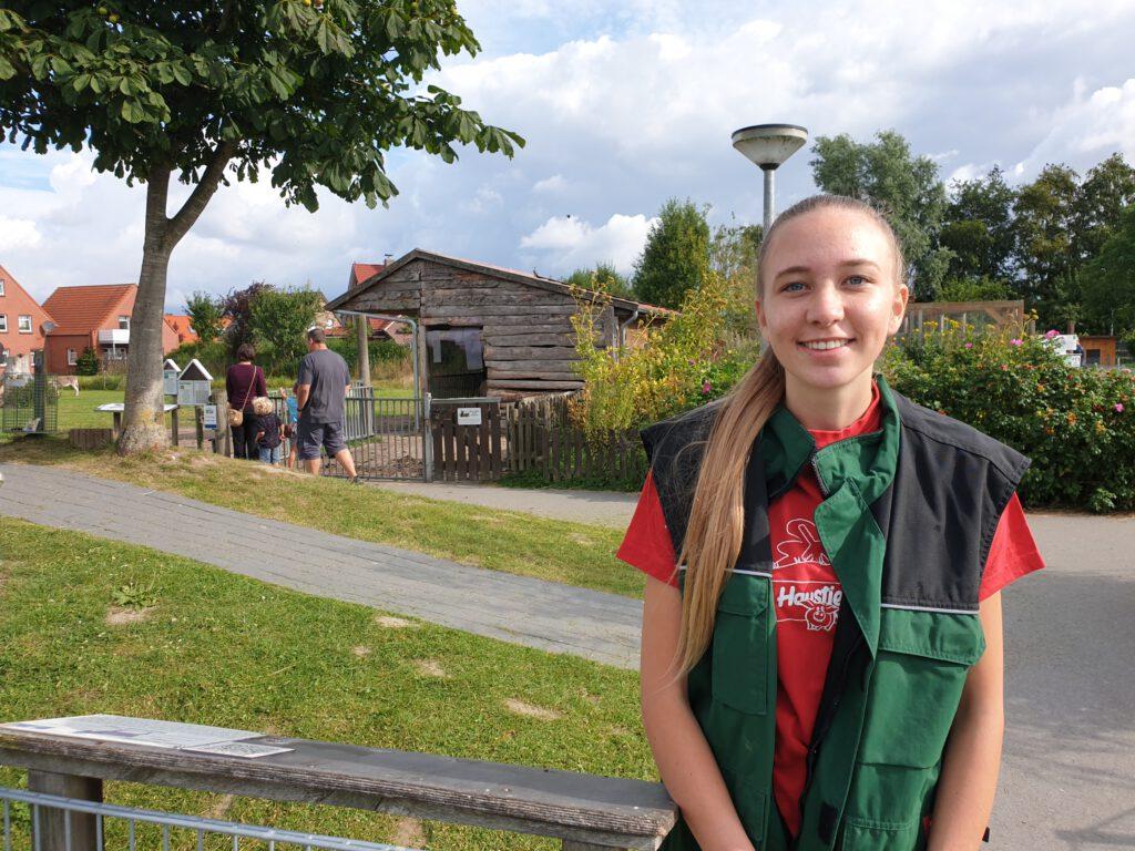 Nantke de Groot ist die neue FÖJ`lerin im Haustierpark