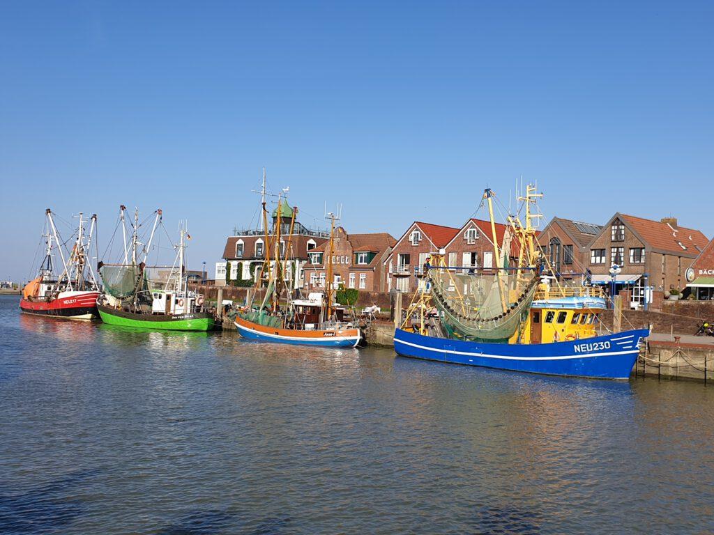 Der Neuharlingersieler Hafen ist auch der Heimathafen von Willi Jacobs
