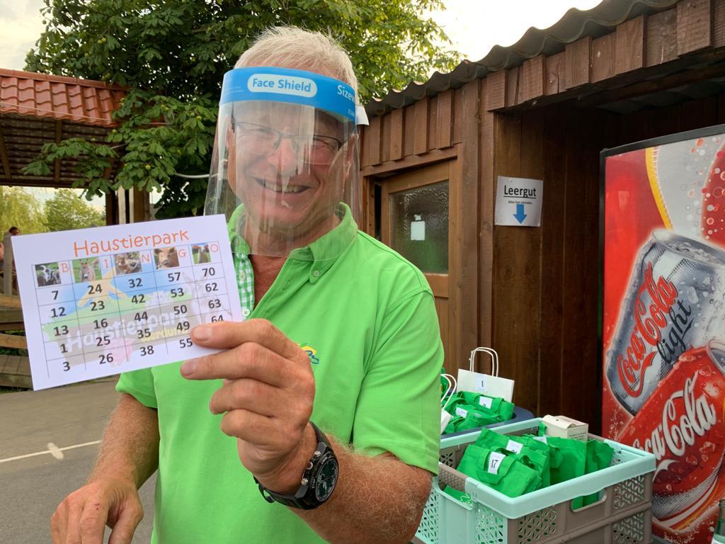 """Werdums """"Bingo-Bär"""" Johann Pieper erklärt die Regeln"""