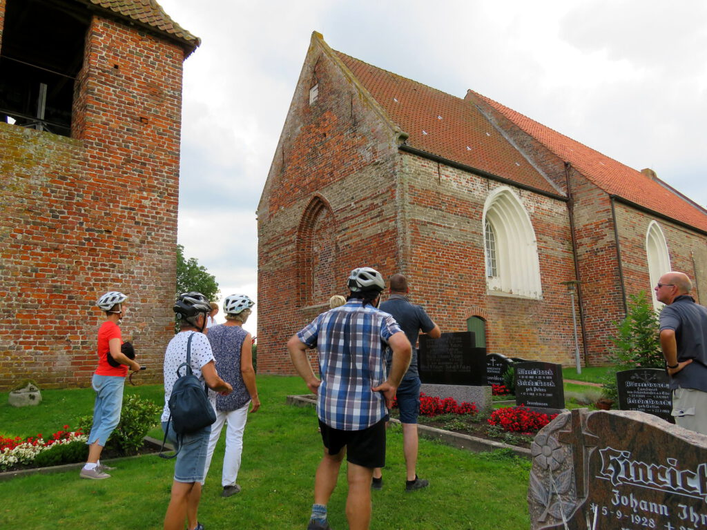 Besichtigung der Kirche in Stedesdorf