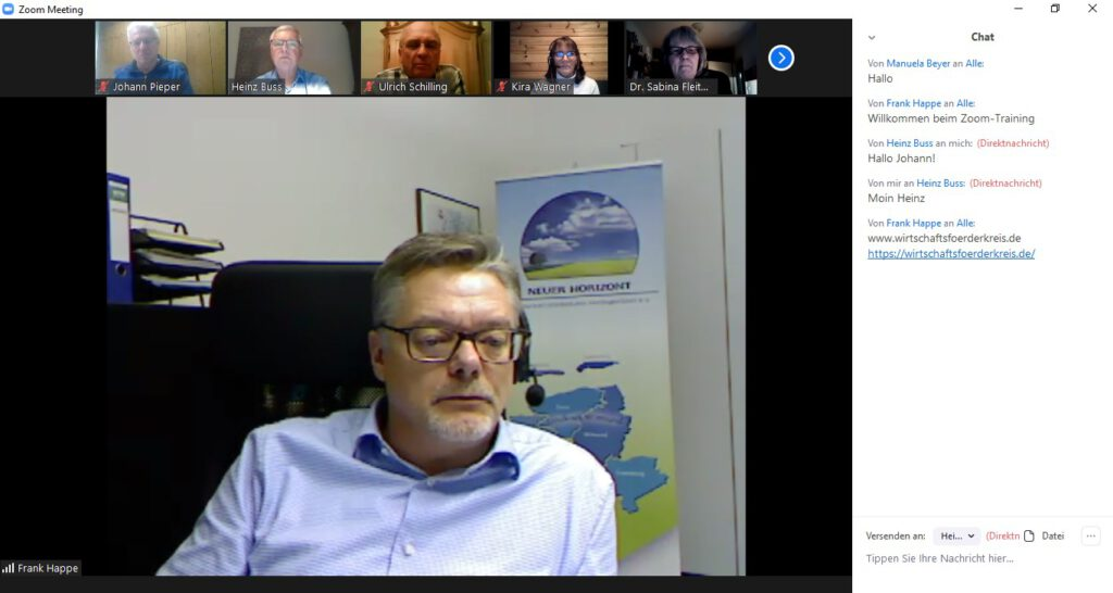 Frank Happe, der Geschäftsführer des Wirtschaftsförderkreises begrüßt die Teilnehmer