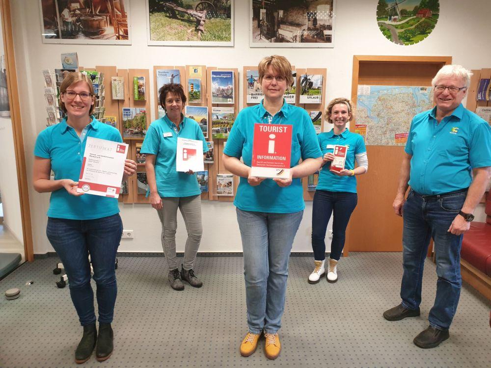 Die  erfolgreiche Mannschaft des HVVv.L. Kathrin Rewerts, Carmen Saalberg, Claudia Peters, Katrin Sandmann und Johann Pieper