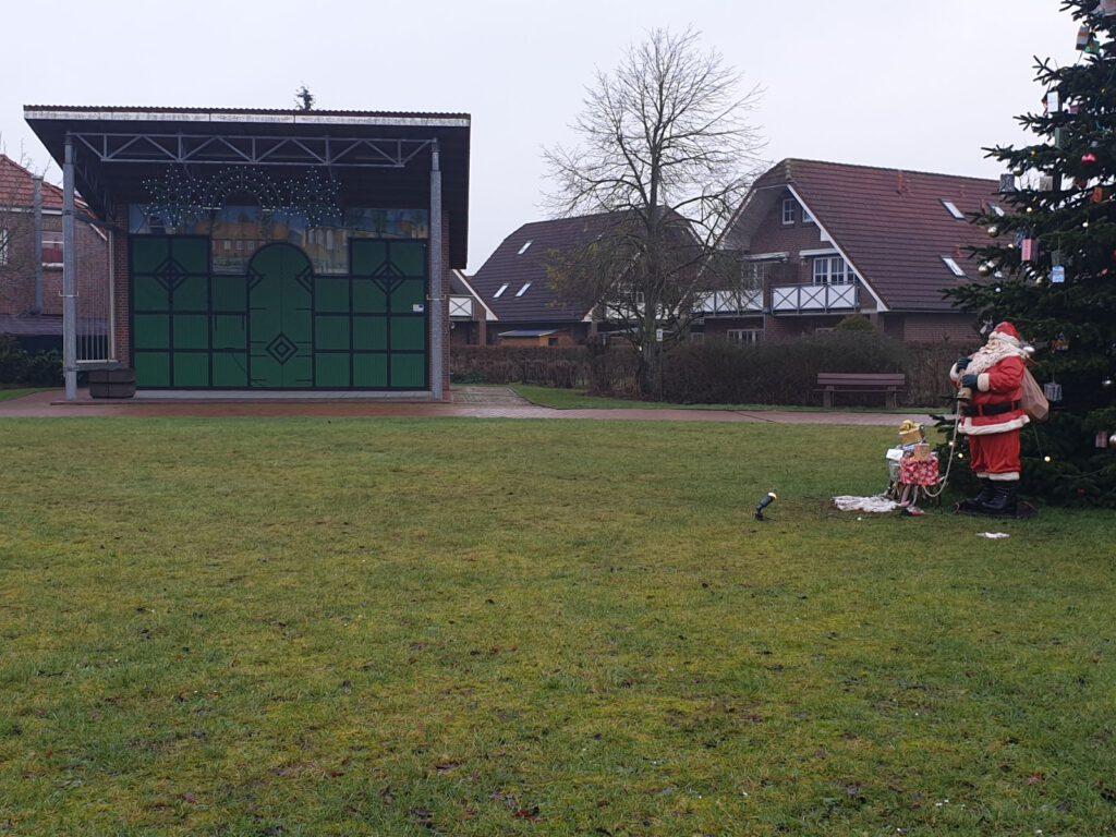 So ruhig und sauber sah der Dorfplatz am 1. Januar noch nie aus