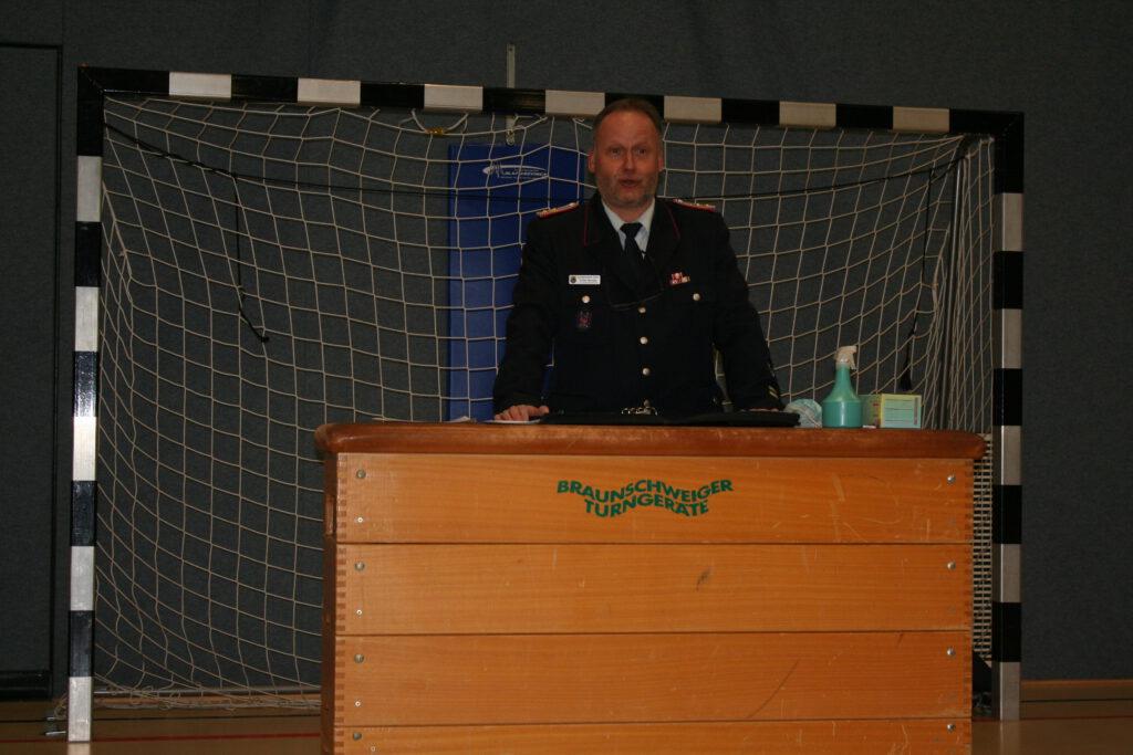 Stefan Bender, der alte und neue Ortsbrandmeister der Werdumer Feuerwehr