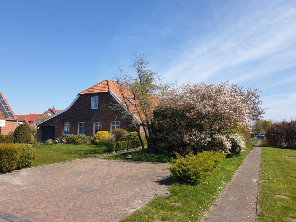 So kennt man das Haus, das über viele Jahre die Familie Klattenberg beherbergte und zuletzt Annette und Claas Osterkamp als Altersruhesitz diente