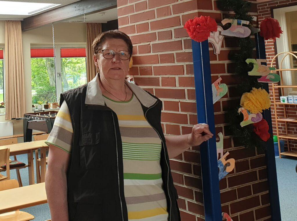 Wilma Janssen hält seit 25 Jahren die Grundschule in Werdum sauber