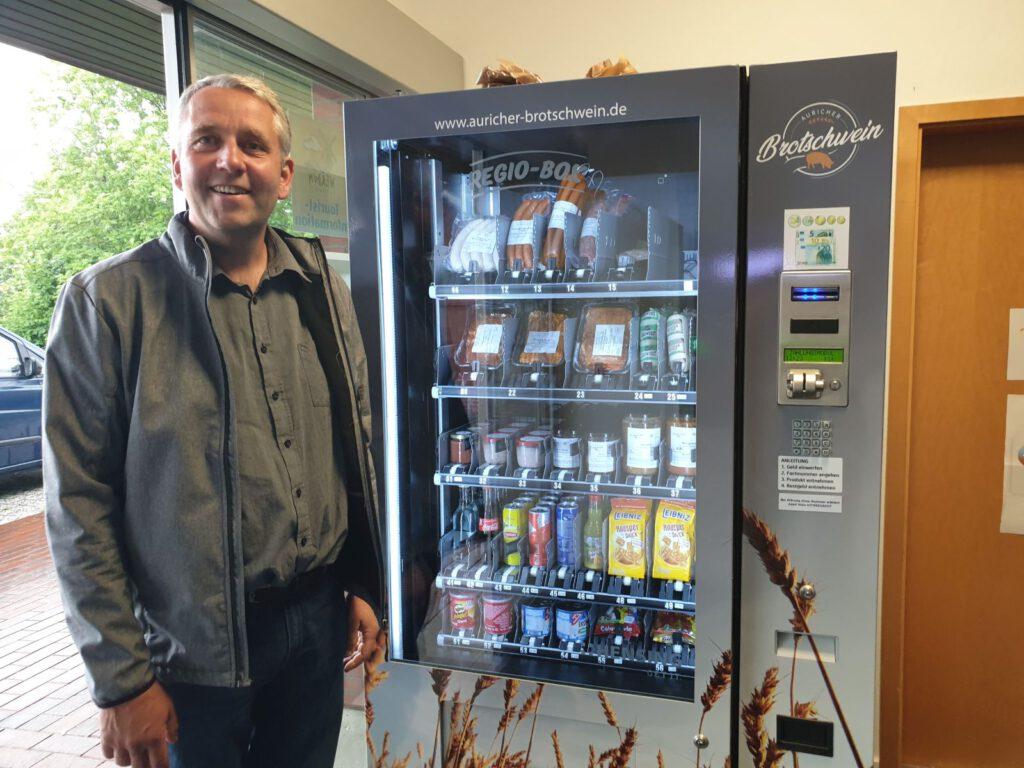 Bürgermeister René Weiler-Rodenbäck freut sich über das neue Angebot in Werdum