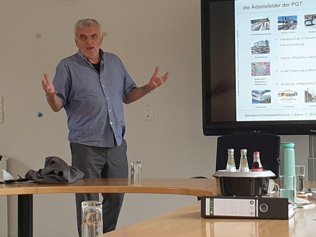 Heinz Mazur von der Firma PGT Umwelt und Verkehr GmbH stellte erste Ergebnisse der Bestandsaufnahme vor.
