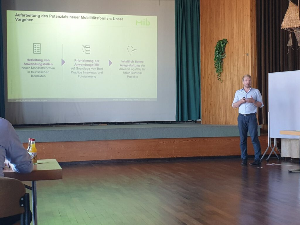 Herr Wichert von MiB referierte in Neuharlingersiel zum Thema