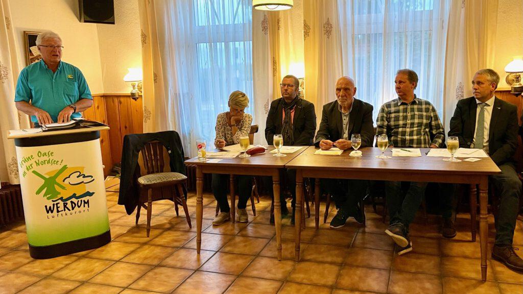 HVV-Vorsitzender Johann Pieper begrüßt im Namen des Vorstandes die anwesenden Mitglieder und Gäste