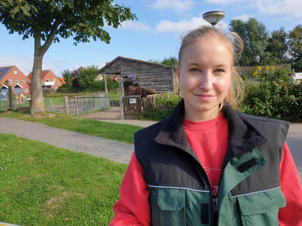 Jolin Haller aus Garbsen startete gestern ihr Freiwilliges ökologisches Jahr im Haustierpark